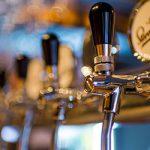 飲食店でお酒を扱うのに免許は必要ですか?